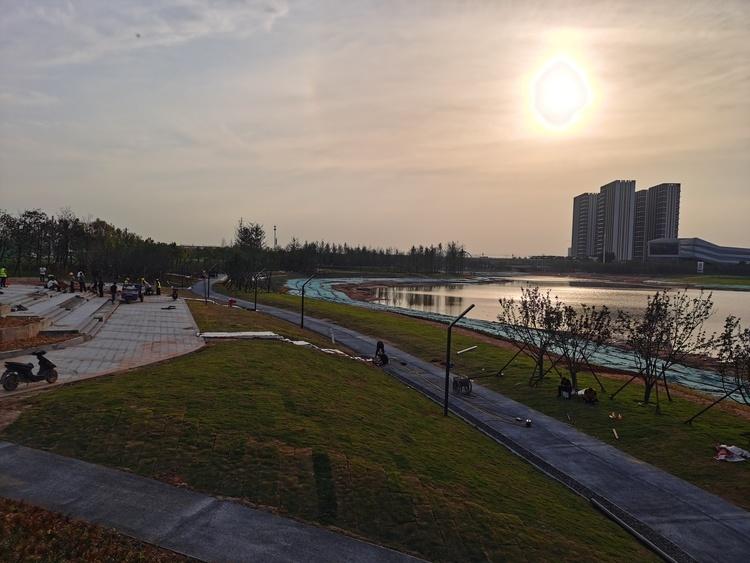 内蒙古公益事业发展基金会与玉泉区文明办携手打造社区公益之家
