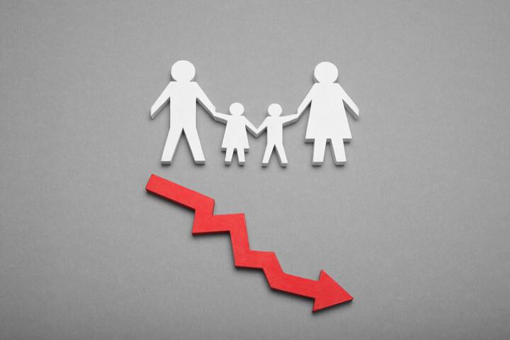 近30年中国生育率低于更替水平 房价调控与户籍改革成应对关键