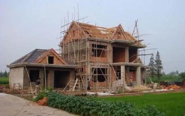农村老房翻建,这五种情况不允许!