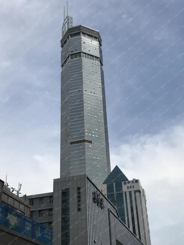 真假?!深圳这栋楼晃一下周边二手房降了一千万