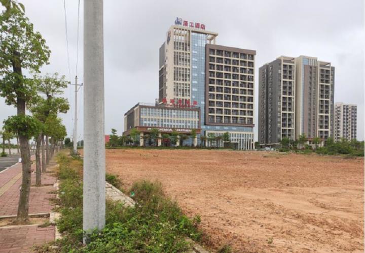 土拍 |317轮激烈争夺!建实房地产以8940万元竞得东海岛综合用地