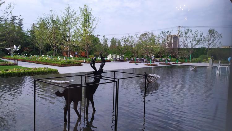 绿城中国半年净利20.96亿同比微增 回款率95%