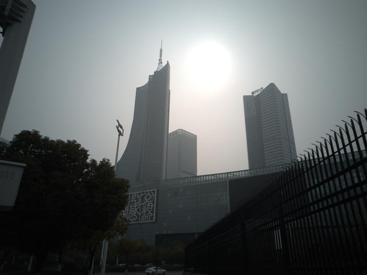 30重点城市经济半年报:西安增速第一 武汉合肥苏州反弹幅度最高