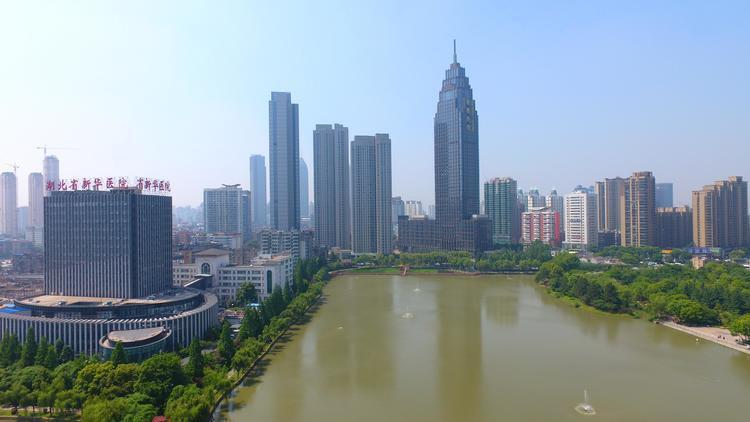 任泽平回归券业策略首秀:房地产是中国最坚硬的泡沫