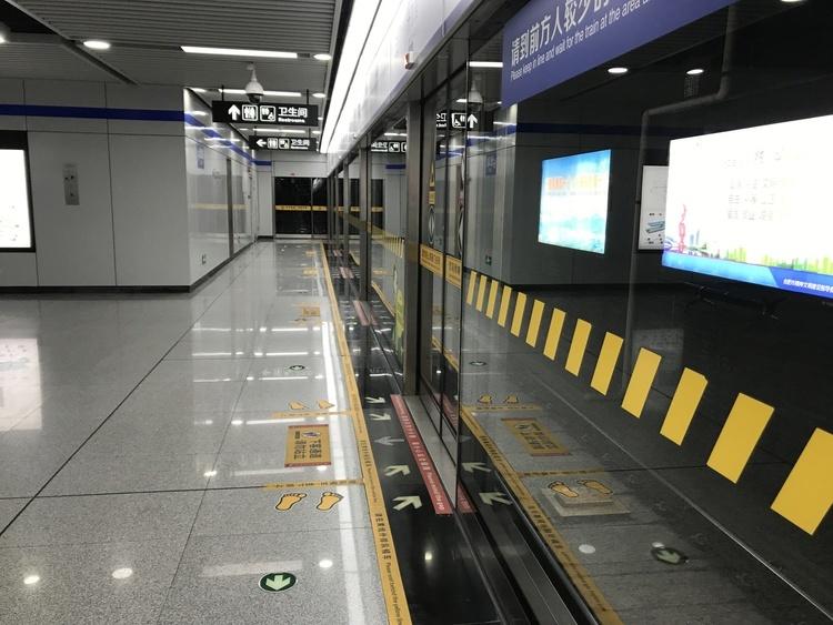 """地铁2号线全线""""电通"""" 预计下月""""车通"""" 为明年载客运营奠定基础"""
