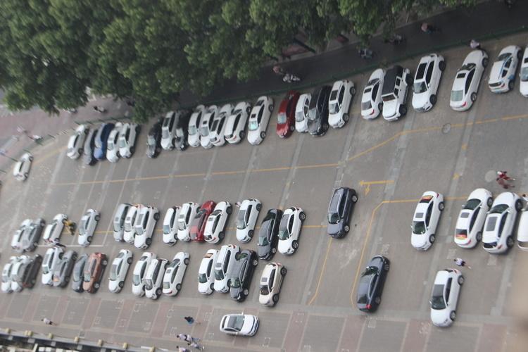 银川市行政中心机关停车场向社会开放
