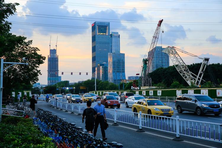 南财快评:客观看待四季度中国经济增长的挑战