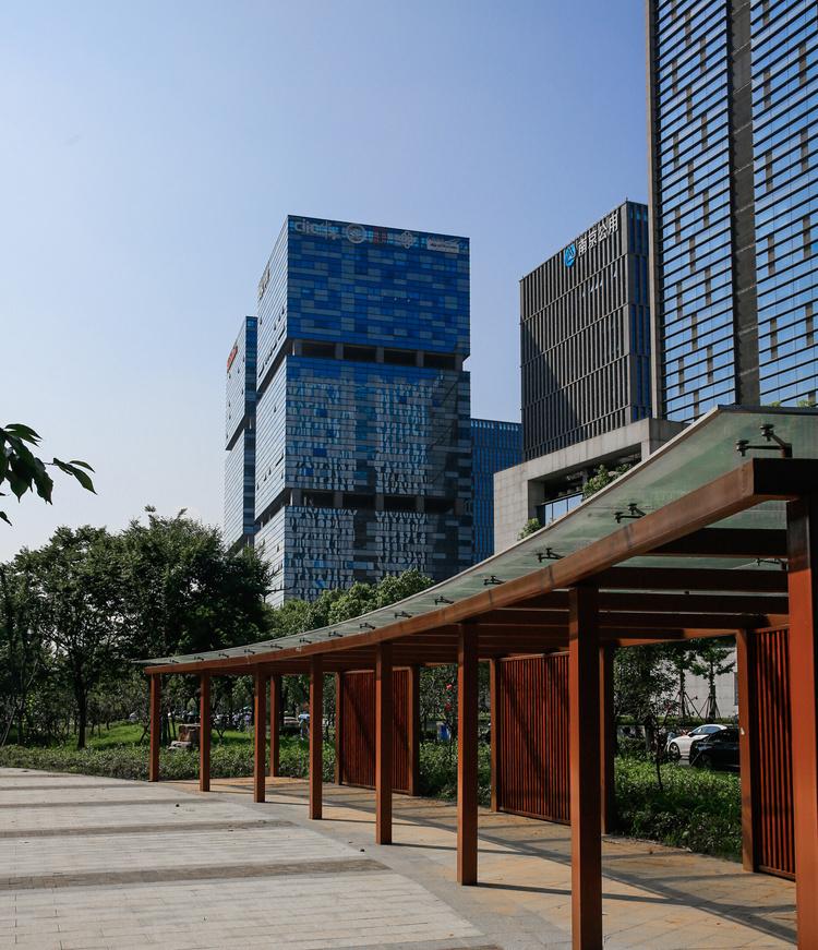 上海商业地产租赁需求复苏 物流资产投资受青睐