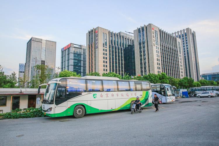 交通运输部:已有18个城市合规网约车数量超过巡游车