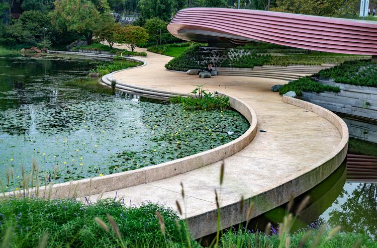 哈尔滨康安桥游园投用 成为市民亲水休闲娱乐的好去处