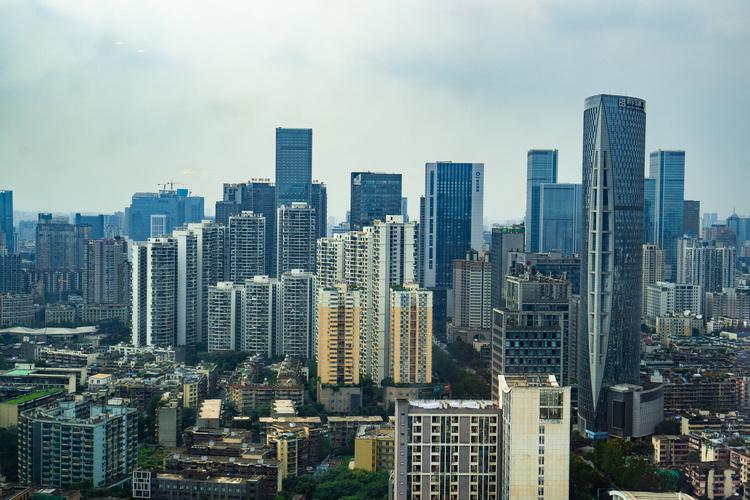 住建部征求意见:县城新建住宅以6层为主 最高不超18层
