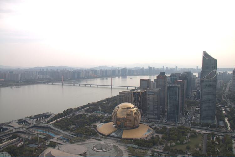 世邦魏理仕发布《数字赋能,打造3D杭城》报告
