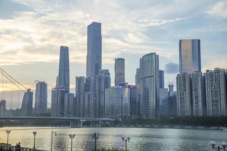 广州楼市成交创年内新低:三成首付也能抢网红盘