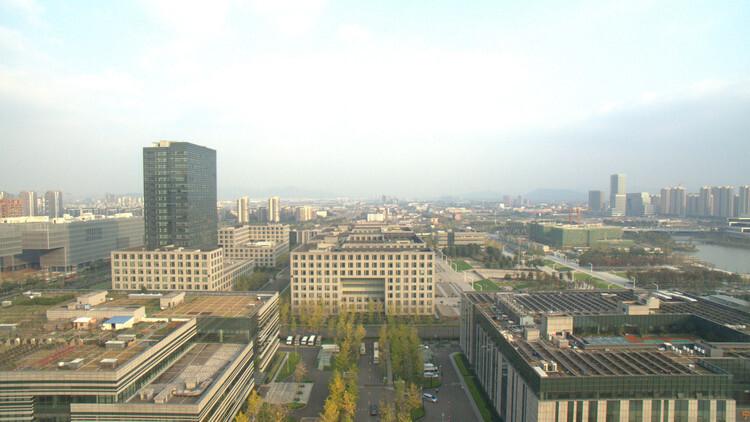 宁波集中供地:滨江集团12.7亿+1.1万平米人才房摘北仑宅地