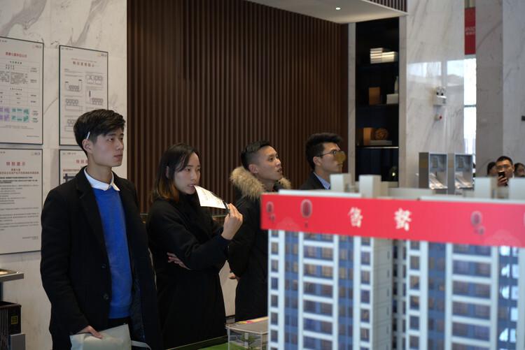 上海:正积极研究进一步完善新房认筹规则等相关政策