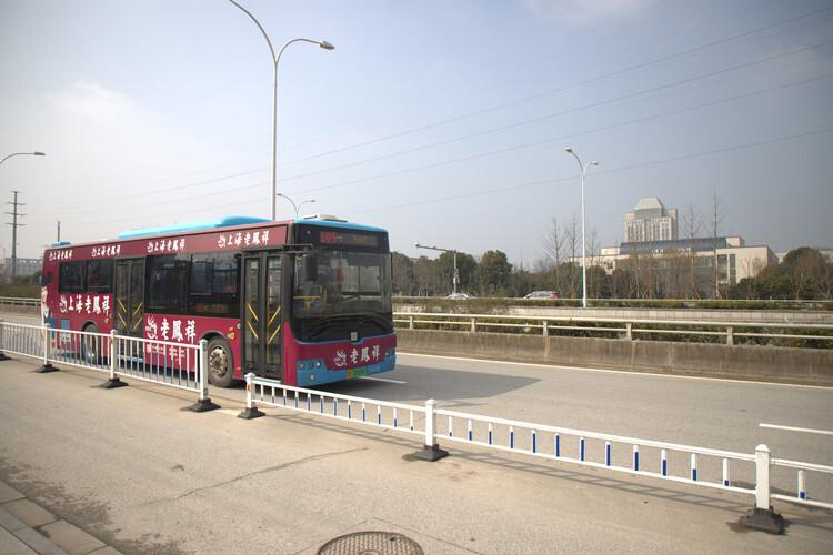 今日起!开通42路区间公交线路 南宁4条公交线路有调整!