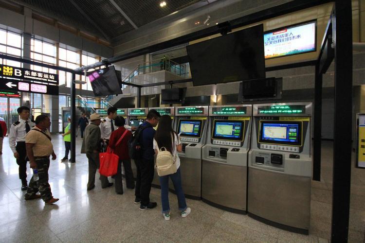 广西铁路双节运输成绩单出炉 累计发送旅客469.2万人次