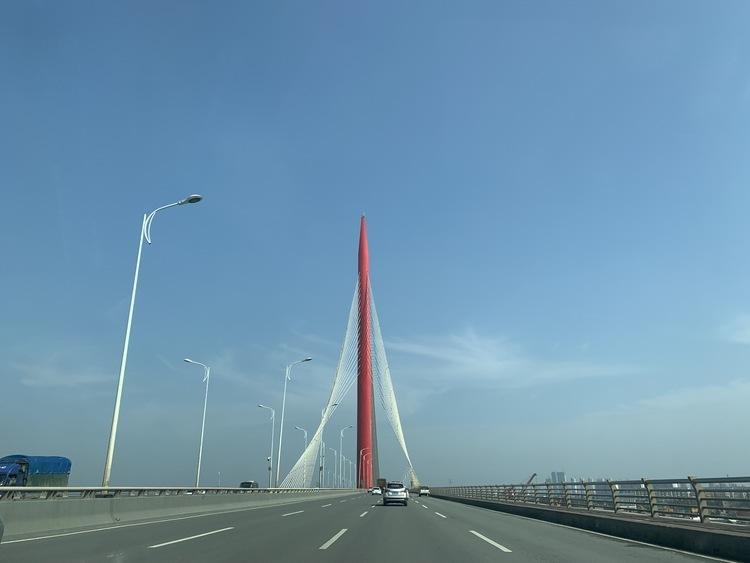 9月17日棋盘洲长江公路大桥正式实现通车