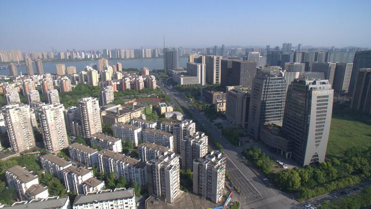 杭州第三城南区预计9月首开,东湖新城上演三国杀