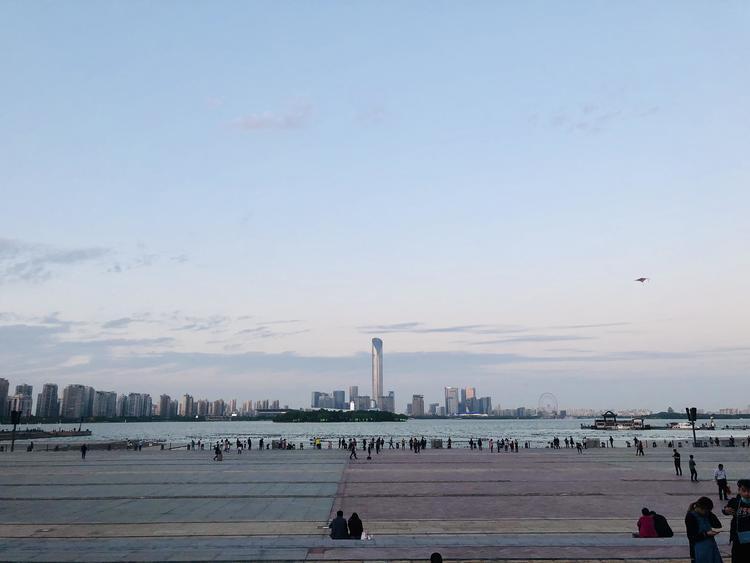 文旅部:国庆中秋假期景区接待游客量不超最大承载量的75%