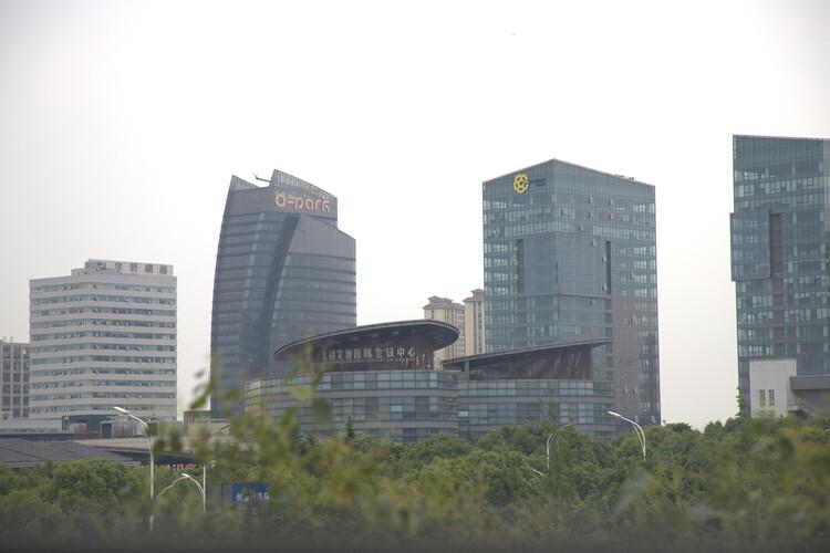 无锡集中供地:融创7.08亿再获惠山宅地 报租赁住房1.06万平