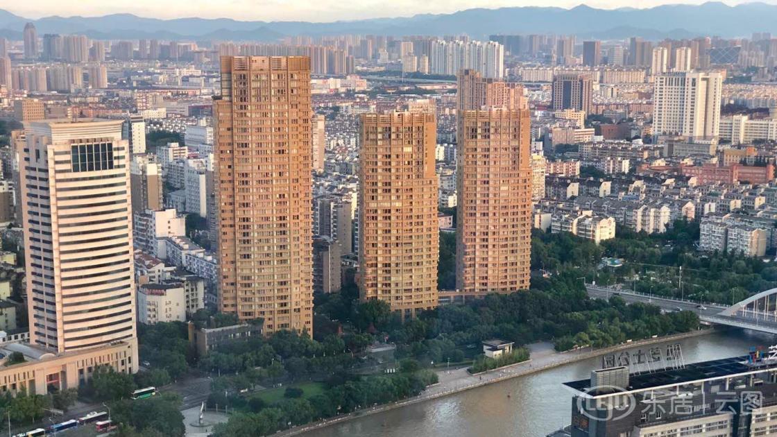 北京环球影城城市大道10月将竣工