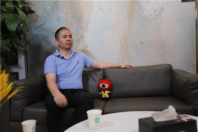 軟裝百大門店·艾是東莞專賣店負責人彭錦忠