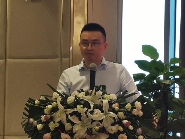 兄弟装饰轮值CEO 谢勇先生
