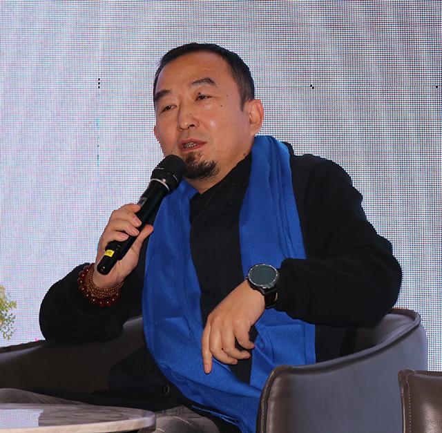 河南省陶瓷学会理事长/河南省陈设艺术协会副主席董晓峰先生