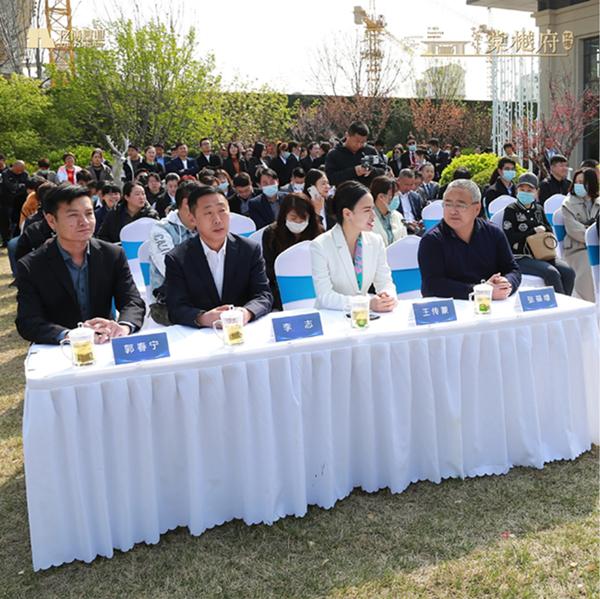 六力国际学校达成战略合作签约