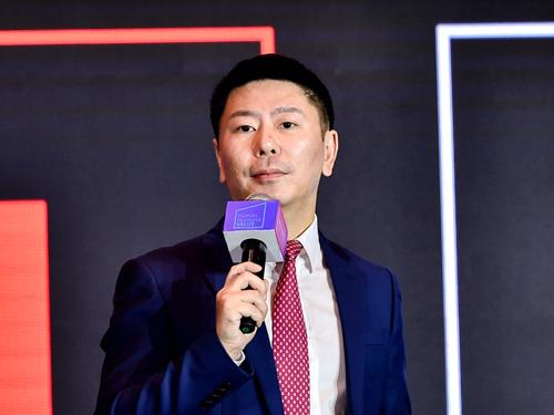 易居企业集团副总裁,易沃教育联席董事长 朱栩