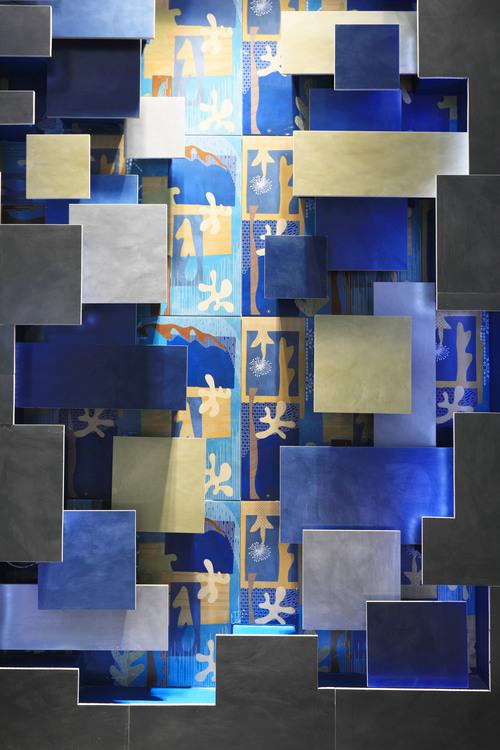 产品:克莱因蓝色系瓷砖 品牌:马可波罗