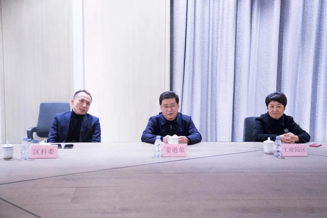 《【杏耀账号注册】书香门地连续8年荣获「青浦区百强优秀企业」》